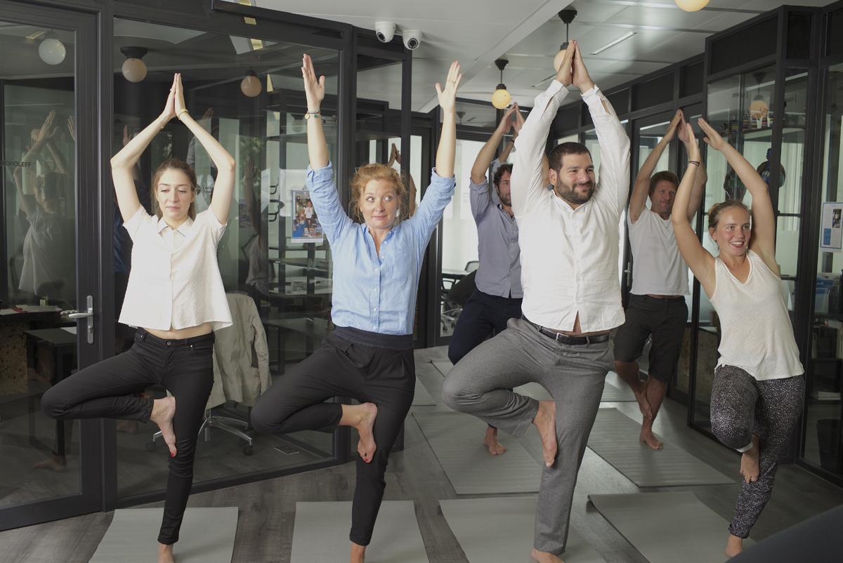 YOGIST- Yoga au bureau- Yoga sur tapis